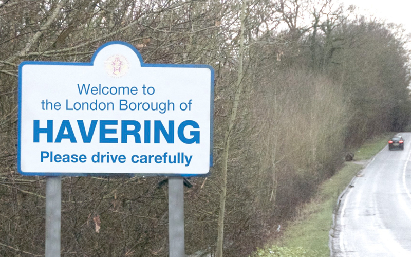 The London Borough of Havering - Welcome Post Sign